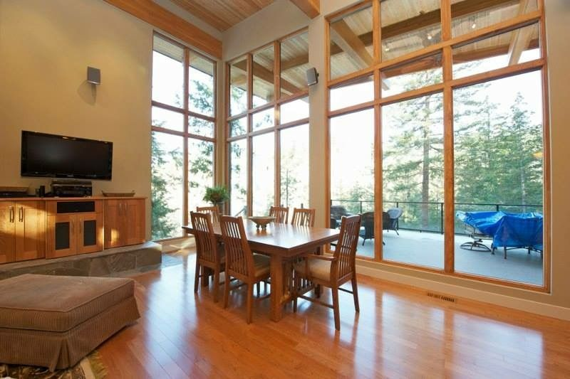 The vinyl windows and wood windows debate